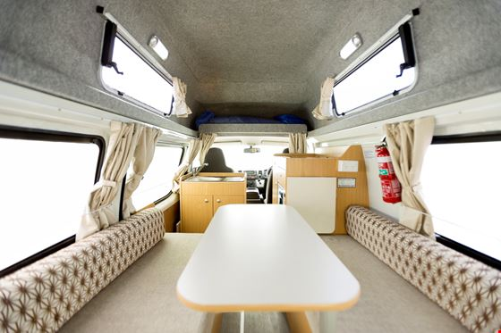 Hitop Campervan in Australien discount mieten Apollo
